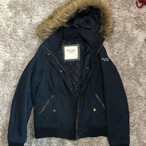 Navy Puffy fall jacket with removable fax fur